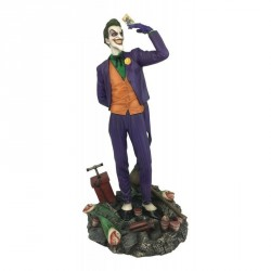 DC Comic Gallery The Joker PVC Diorama